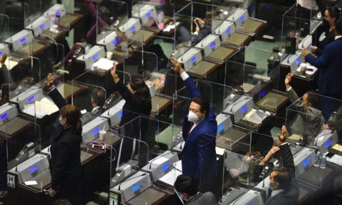 """Los afectados por la retirada de los fideicomisos: """"Nos dejan desamparados"""""""