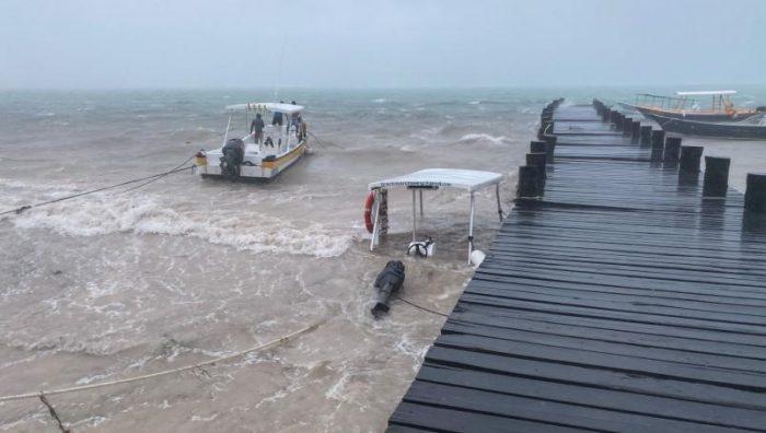 """Inicia evacuación de Cancún y Holbox por huracán """"Delta"""""""