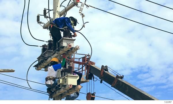 Consumidores pagarán por política eléctrica de la 4T