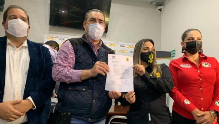 PRI y PRD formalizan alianza en Nuevo León