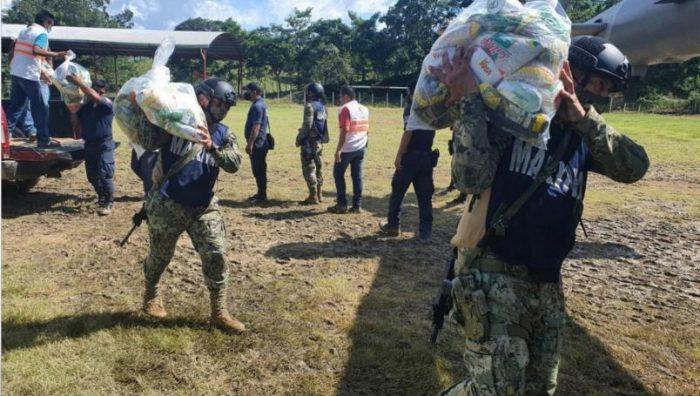 Ejército entrega más de 6 mil apoyos de víveres a damnificados en Tabasco