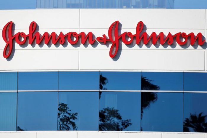 La vacuna de una sola dosis de Johnson & Johnson fue eficaz en un 66%