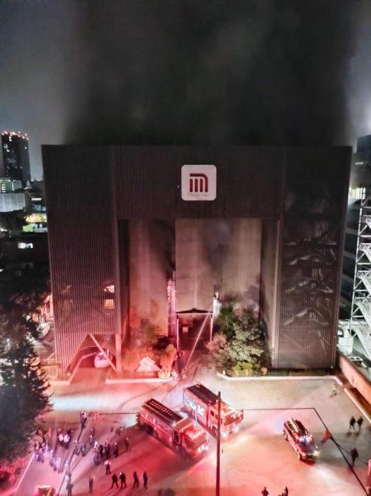 Incendio en edificio de STC Metro deja una persona muerta