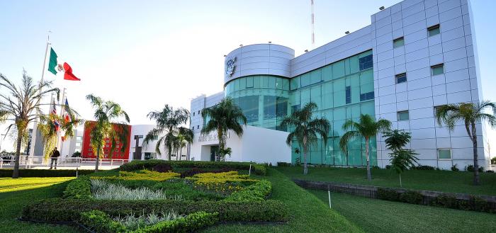 Universidad Autónoma de Sinaloa homenajea a estudiantes muertos por Covid-19