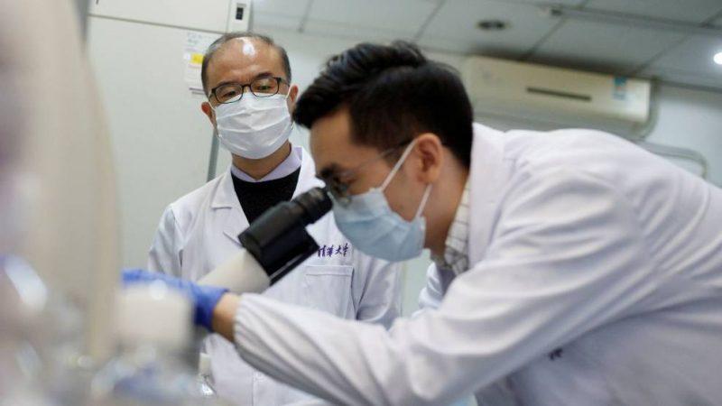 China aprueba vacuna de Sinovac para toda la población