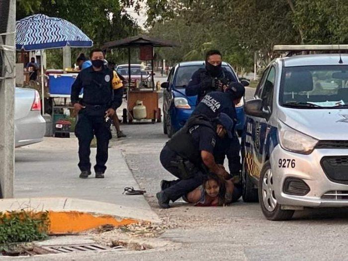 Mujer fue sometida por policías de Tulum  y murió , Quintana Roo