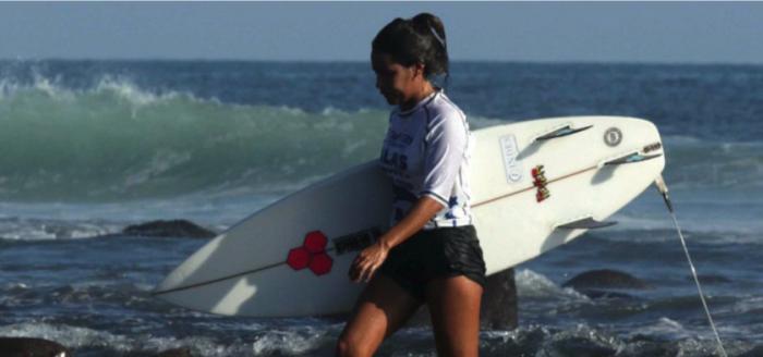 Muere surfista durante entrenamiento; cayó un rayo sobre ella