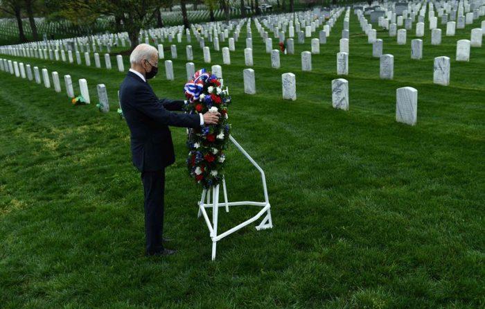 """Biden justifica la retirada militar de Afganistán: """"Es el momento de terminar con la guerra más larga"""""""