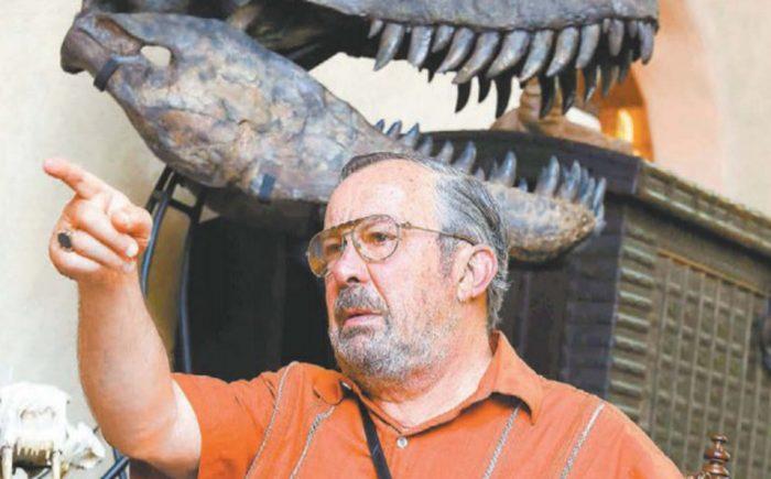 Mauricio Fernández reta a El Norte con 10 millones de pesos por encuesta