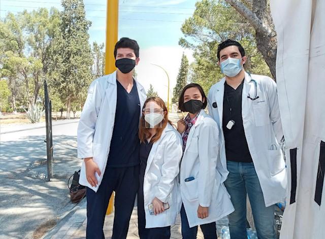 Mientras PRI y Morena pelean protagonismo en vacunas, Jóvenes hacen la tarea