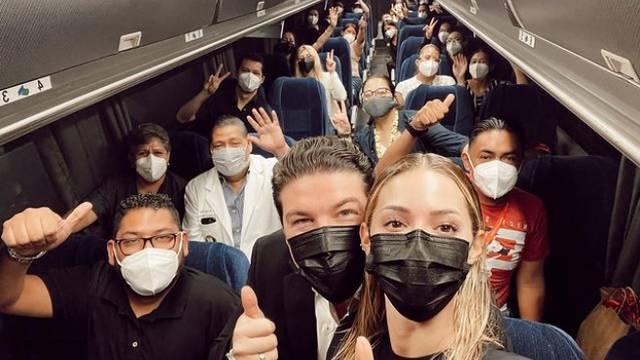 Samuel García sale con la primera caravana de vacunación; de Nuevo León a Texas