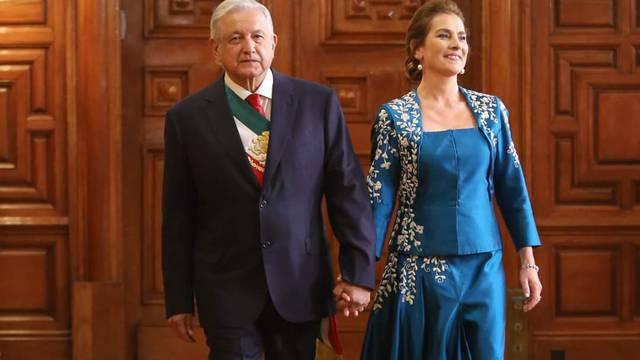Beatriz Gutiérrez: su elegante vestido azul para el Grito de Independencia 2021