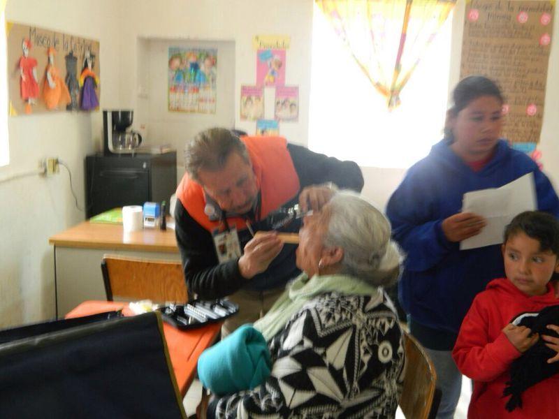 Saltillo: Visita Municipio ejido Buñuelos con brigadas de salud y servicios