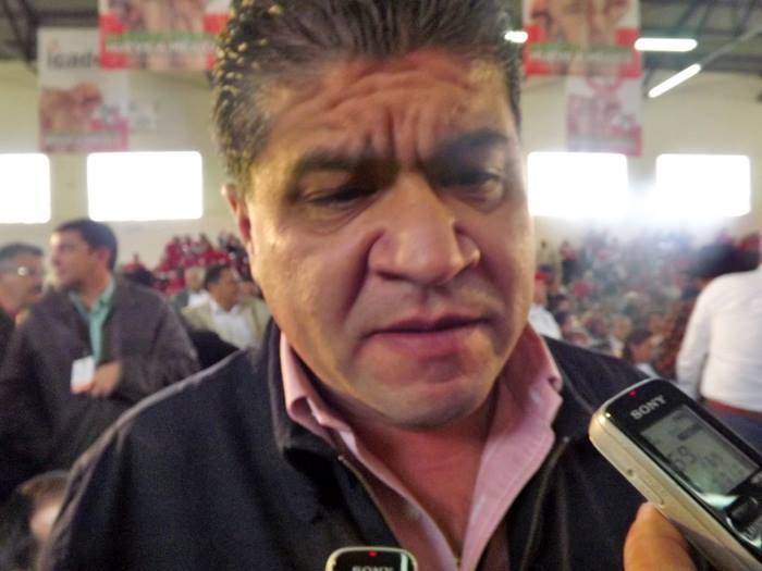 """Ya hace planes Riquelme, """"Quiere ser Gobernador"""" le asustan planes de Luna Canales"""