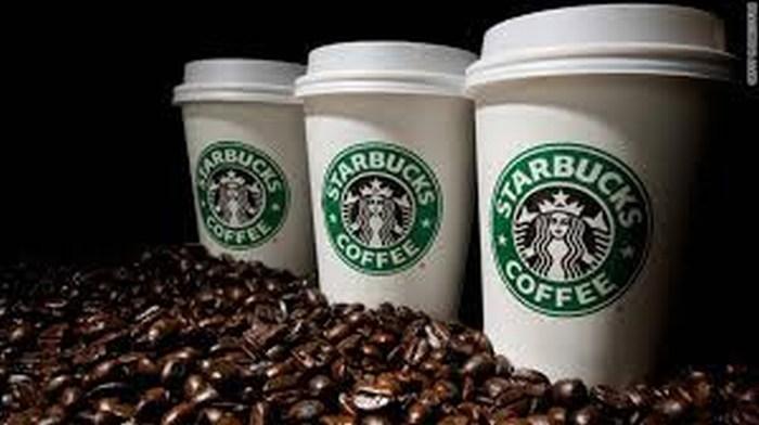 Starbucks abre tiendas premium con precios más altos