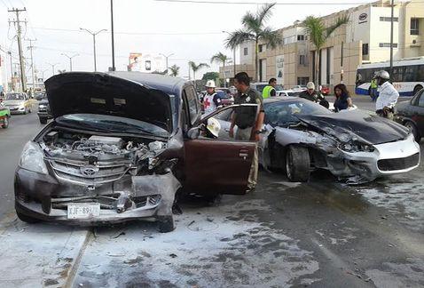 Un herido deja accidente vial en avenida de Tampico