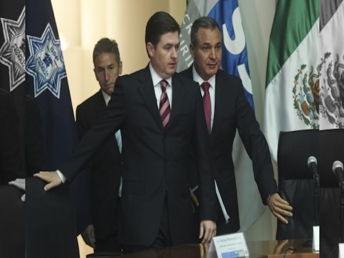 """""""Premiarían"""" a Rodrigo Medina con dirección de Infonavit"""