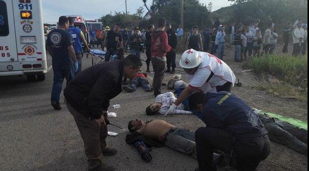 Al menos cuatro muertos y 22 heridos en accidente en Mazatlán