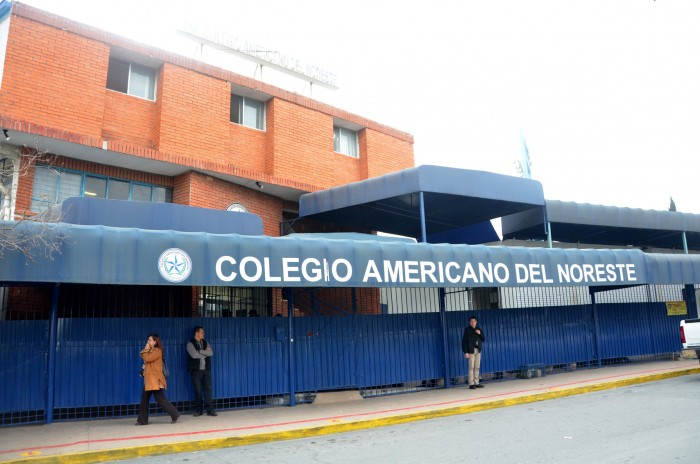 Dan de alta a menor herido en el Colegio Americano del Noreste