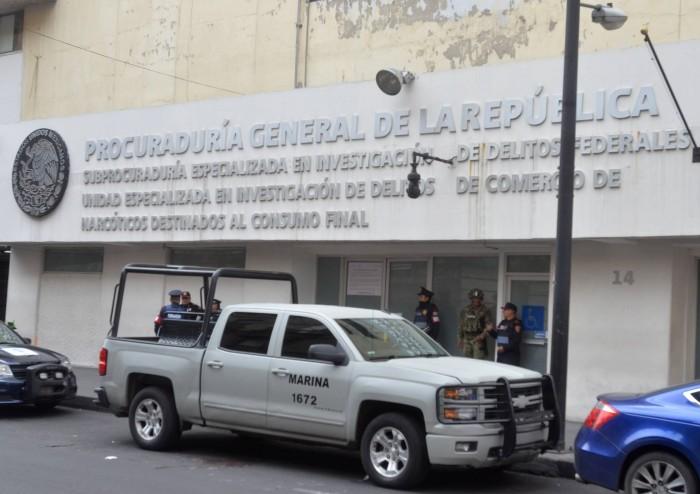 Una noche de enfrentamientos entre narcos y marinos en México deja dos niñas muertas