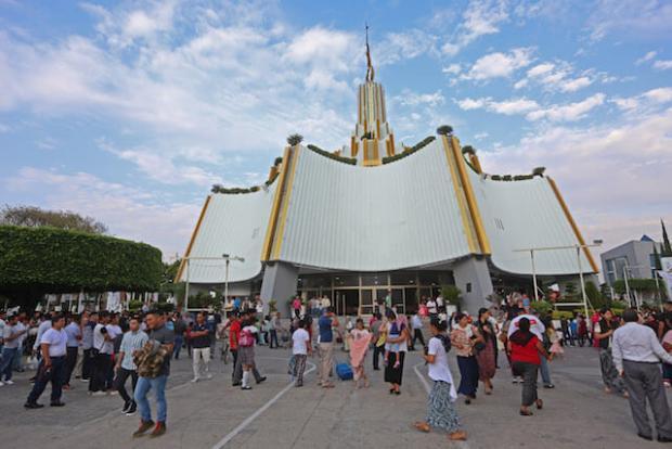 Prestan 62 escuelas públicas para evento de iglesia de 'La Luz del Mundo'