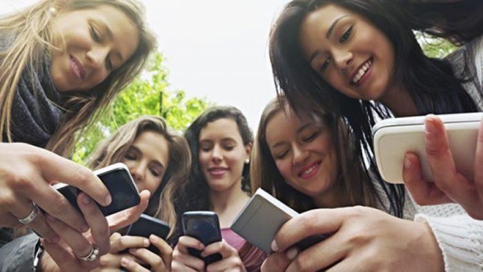 Las amistades en redes sociales suelen ser falsas y triviales: especialista