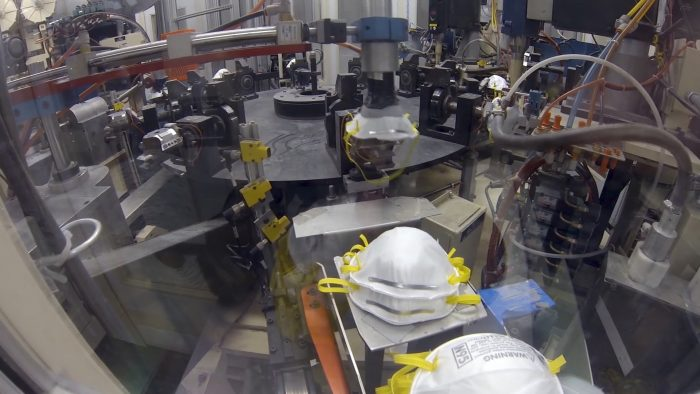 EUA demanda a empresa china por medio millón de cubrebocas falsos