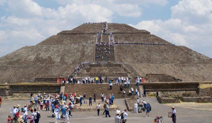 Teotihuacán estrena LUNA Autocine, una experiencia única sin salir del auto