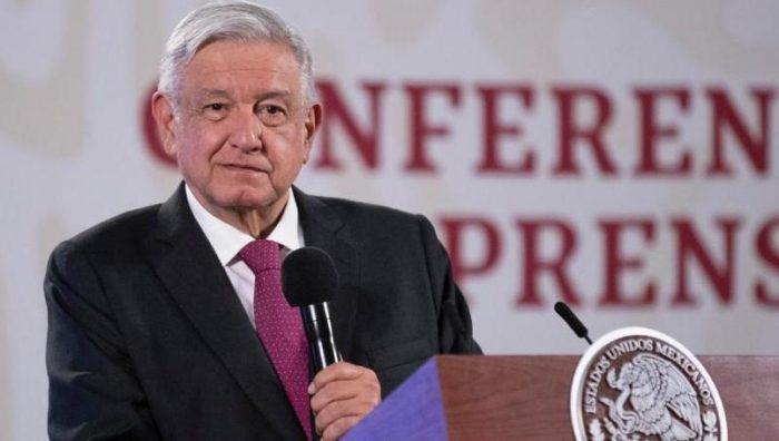 """AMLO adelantó que el candidato presidencial se elegirá por encuesta: """"No tengo preferidos"""""""