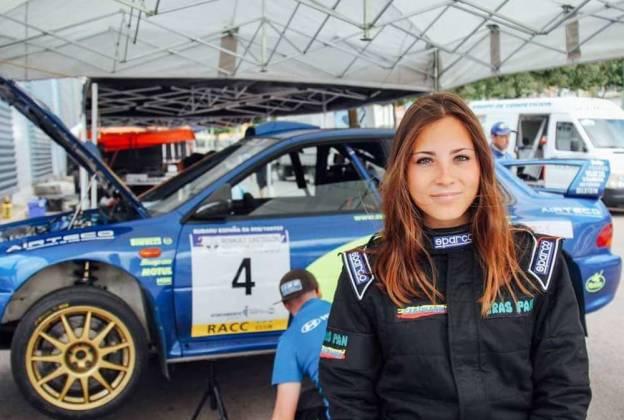 Conmoción en el automovilismo español: murió una joven copiloto de rally de 21 años en un