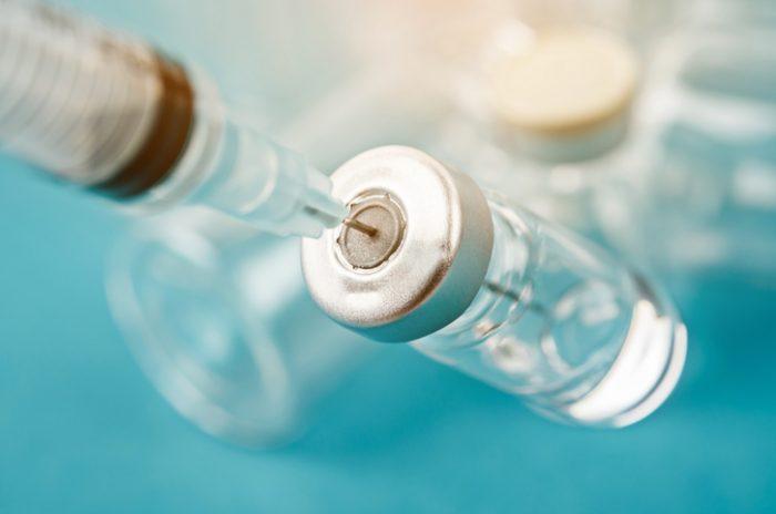 Llegan a México las primeras dosis de vacuna china contra Covid-19 para ensayos Fase 3