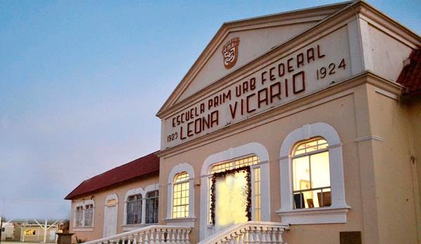 DOMINGO DE LEYENDA: Maestra fantasma deambula en Leona Vicario y Miguel Alemán. (Mexicali)