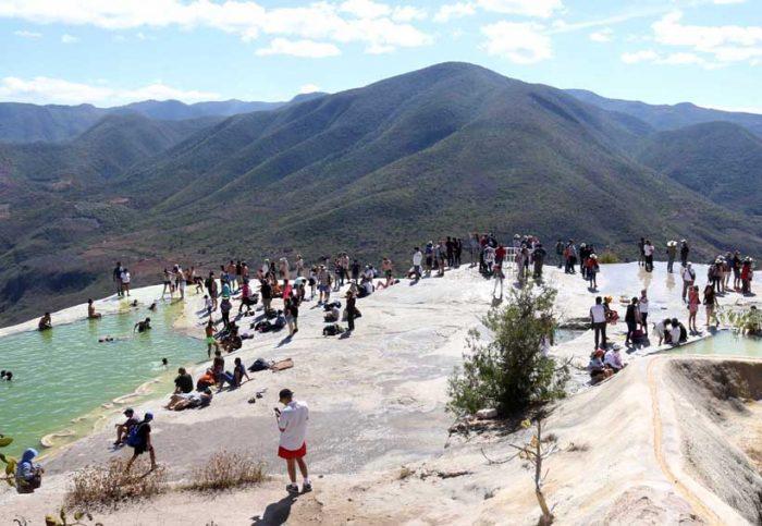 Hierve el Agua, en Oaxaca, será cerrado al turismo