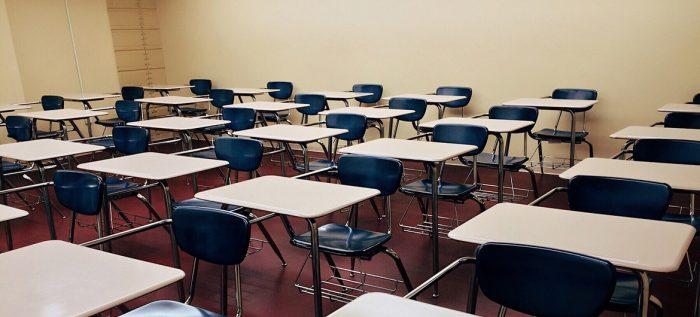 'Expulsa' la crisis a 5.2 millones de alumnos de las escuelas