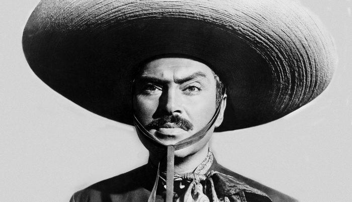 """Pedro Armendáriz: el ícono de la Época de Oro del cine mexicano que se quitó la vida con una """"colt"""" y la tragedia que envolvió a la película """"The Conqueror"""""""