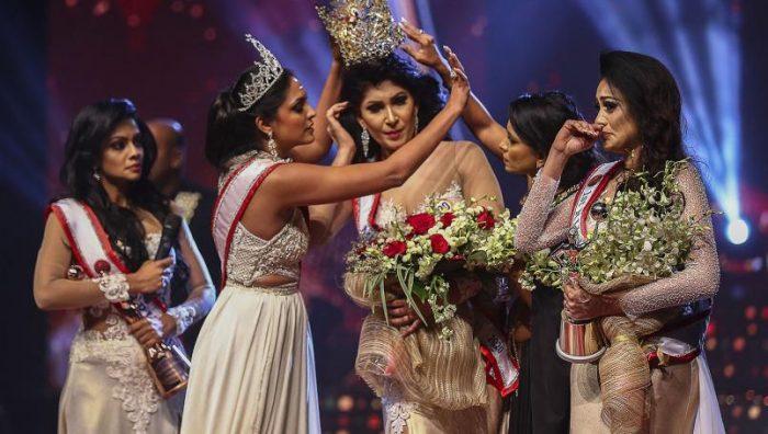 Quitan corona a ganadora de Miss Sri Lanka