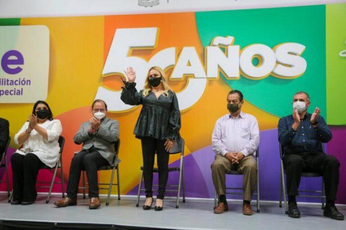 Celebra Marcela Gorgón 50 aniversario del CREE Saltillo