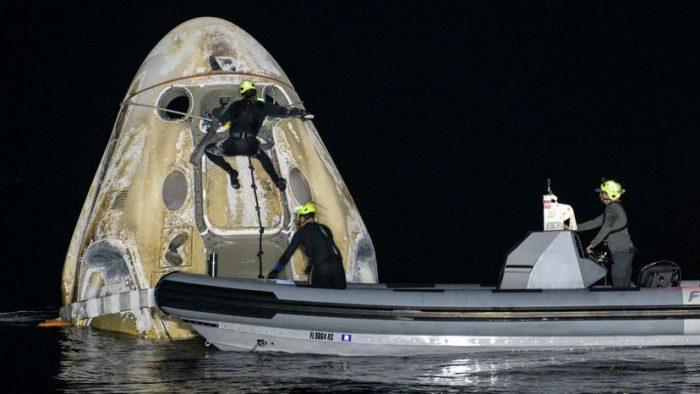 Cuatro astronautas regresan de la estación espacial en una cápsula privada de Space X