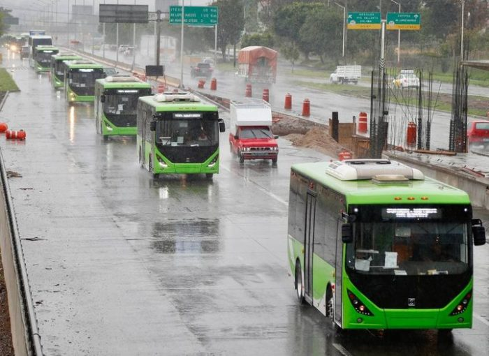 Recibe Gobernador Enrique Alfaro 38 unidades de transporte para la primer ruta 100% eléctrica del país