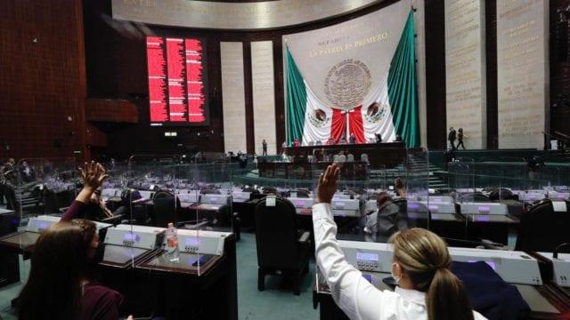 Desaparecer los legisladores 'pluris' es un retroceso para México: expertos