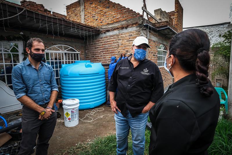"Presenta Enrique Alfaro programa ""nido de lluvia"" video"