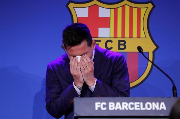 MESSI ENTRE LÁGRIMAS EN DESPEDIDA DEL BARCELONA: 'ESTOY BLOQUEADO, NUNCA IMAGINÉ DECIR ADIÓS'