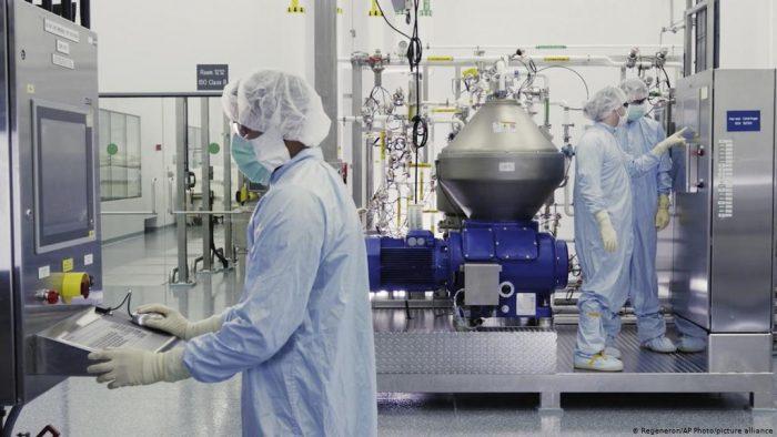 Científicos estadounidenses logran prevenir el COVID-19 con el uso de dos anticuerpos monoclonales inyectables