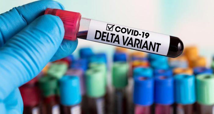 Los riesgos y síntomas que provoca la variante delta del coronavirus en una persona vacunada