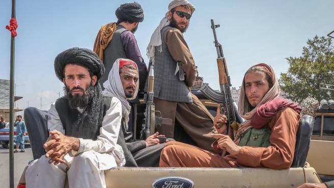 Facebook, Instagram y WhatsApp prohíben contenido de talibanes