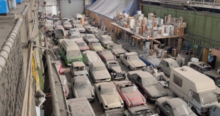 Hallan en Londres una bodega abandonada con 174 autos clásicos