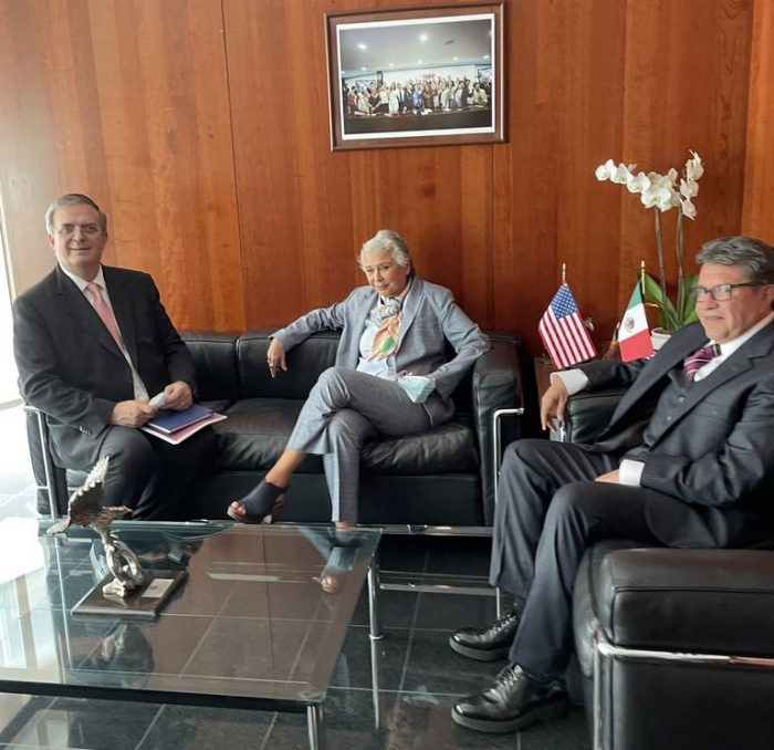 Ken Salazar y Marcelo Ebrard: los invitados de lujo en el Senado de la República